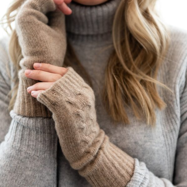 Cable knit hand-warmers