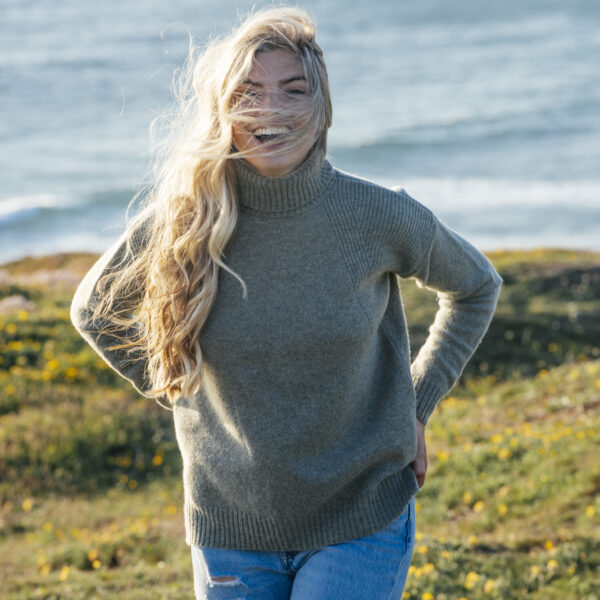 The Lambswool Roll Neck – Sage Green