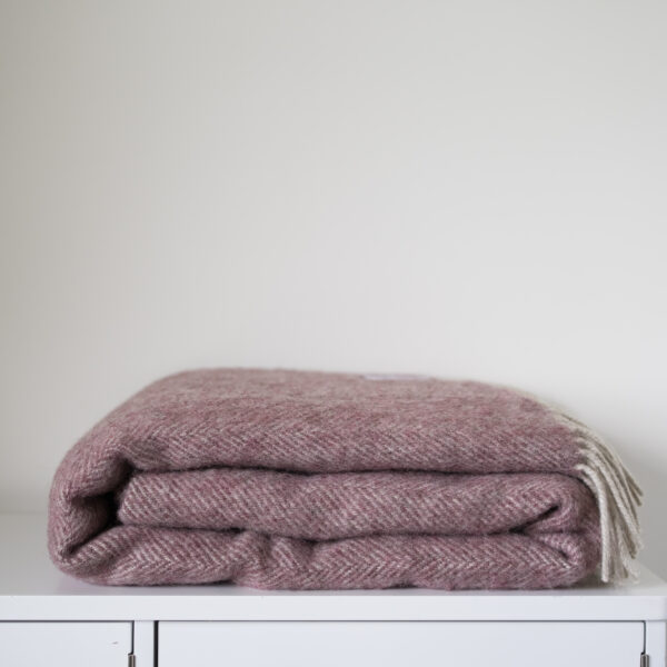Coverdale Throw, Berry