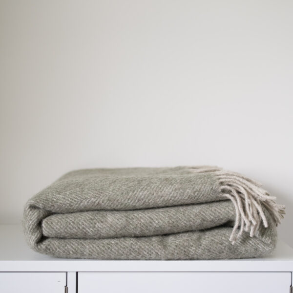 Coverdale Throw, Sage