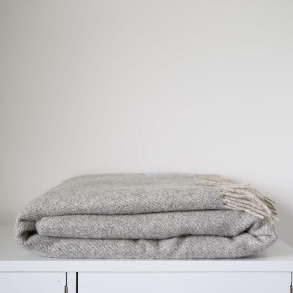 Coverdale Throw, Light grey